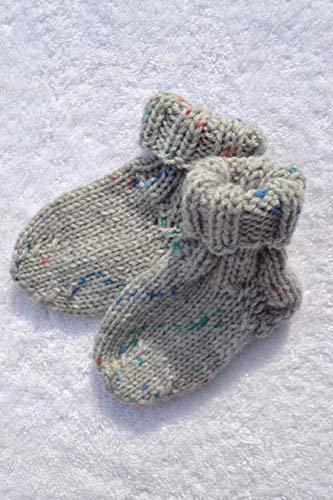 Socken Babysocken Erstlingssocken Stricksocken Babyschuhe Babyschühchen Baby grau bunt vegan handgestrickt 0-6 Monate