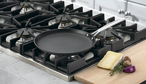 Cuisinart 623-24 Chef's Classic Nonstick Hard-Anodized 10-Inch Crepe Pan,Black