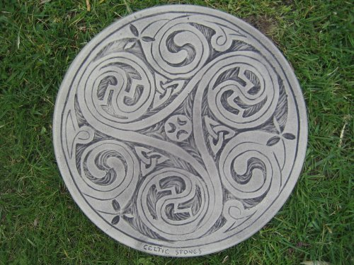 Celtic 3 swirl Stepping stone garden ornament