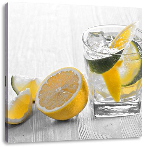 Gin-tonic met citroen schotCanvas Foto Plein | Maat: 70x70 cm | Wanddecoraties | Kunstdruk | Volledig gemonteerd