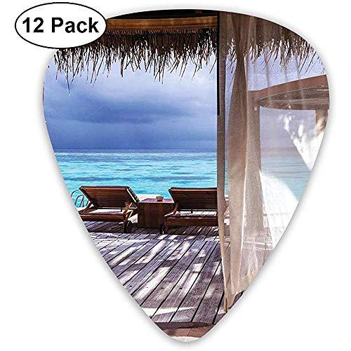 12 Pack Romántico Bungalow de madera en las tumbonas de agua Maldivas Beach Summer Relax Guitar Picks Juego de regalo completo para guitarrista