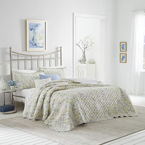 Laura Ashley Fawna Collection | Luxuriöser, besonders weicher Steppdeckenbezug, bequemes 2-teiliges Bettwäsche-Set, stilvolle Tagesdecke, für Doppelbett, Blau