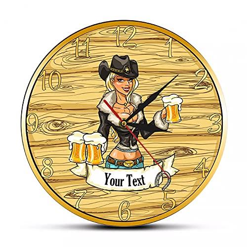YYYFF Sexy Cowgirl sosteniendo Vasos de Cerveza Personalizado Home Bar Family Name Reloj de Pared Craft Beer Drinks Cowgirl Reloj de Pared Personalizado