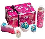 """Bomb Cosmetics """"Let's Flamingle"""" handgemachte Geschenkpackung."""