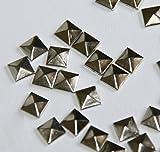 Kaxofang 100pc de Revision Hierro Encendido, 7 mm de la Parte Posterior Plana de Plata de la piramide Esparragos - 1/4 Pulgada
