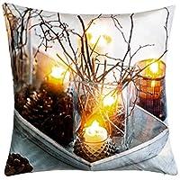 Cuscino di Natale con motivi decorativi, moderno e splendido accessorio di Natale, con l'illuminazione a LED bianco caldo otterrete un magnifico effetto invernale. La catena di luci del cuscino ha un pratico timer, sul timer di posizione le luci si s...