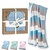 sei Design Baby Decke aus 100% Baumwolle 90 x 70   kuschelige Strickdecke + Mütze   Ideal als Erstlingsdecke, Kuscheldecke, Puckdecke für Jungen in hübscher Geschenk-Verpackung