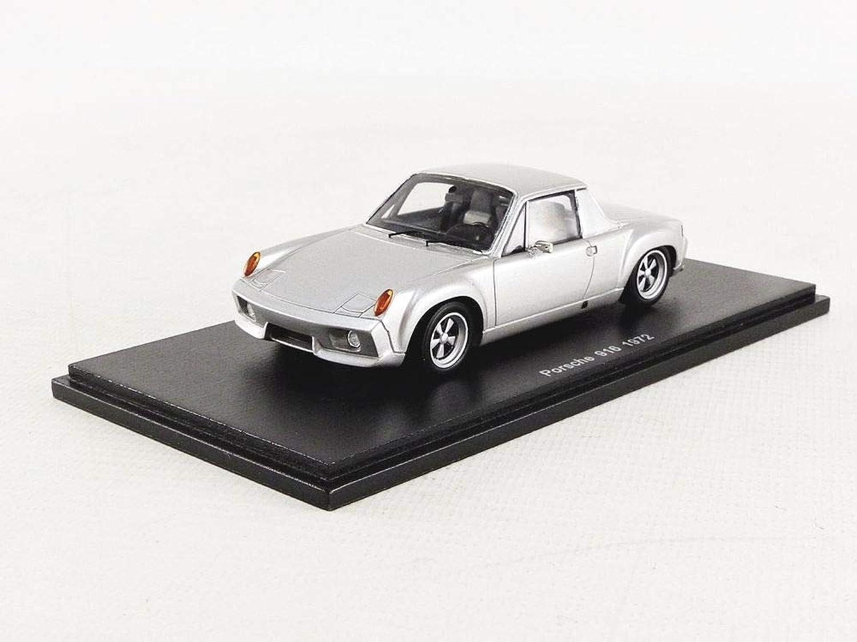 SPARK S7615 Collectible Miniature Car White