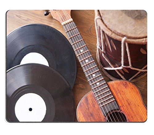 Luxlady caucho Natural Gaming Mousepads Vintage tambor y discos de vinilo de guitarra acústica en madera imagen de fondo ID 27820466