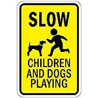 遅い子供と遊ぶ犬 メタルポスタレトロなポスタ安全標識壁パネル ティンサイン注意看板壁掛けプレート警告サイン絵図ショップ食料品ショッピングモールパーキングバークラブカフェレストラントイレ公共の場ギフト