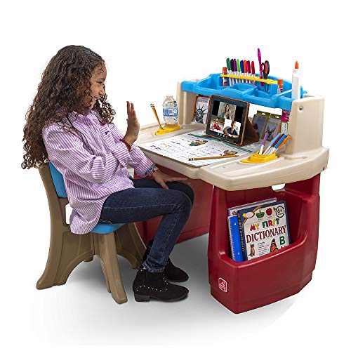Product Image of the Step2 Deluxe Art Desk