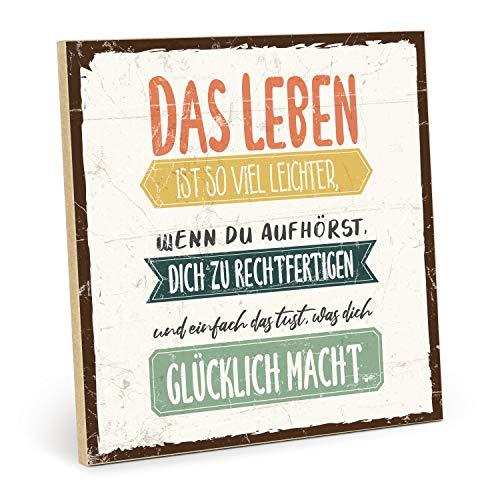 TypeStoff Holzschild mit Spruch – glücklich – im Vintage-Look mit Zitat als Geschenk und Dekoration zum Thema Glück und Leben (Größe: 19,5 x 19,5 cm)
