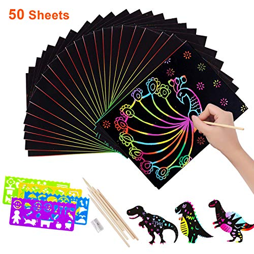 Set di 50 fogli di carta scratch Art per bambini, Designerbox scratch off Paper Black Magic Rainbow painting taglieri in legno con 5 stilo e 4 disegno stencil righelli e 1 temperino