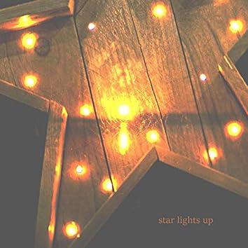 Star Lights Up
