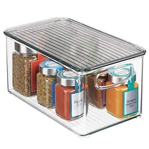mDesign Caja para almacenaje con tapa – Organizador de frigorífico apilable para guardar alimentos – Contenedor de plástico sin BPA para los armarios de la cocina o la nevera – transparente/gris humo