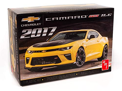 AMT 2017 Chevy Camaro SS 1LE 1:25 Scale Model Kit