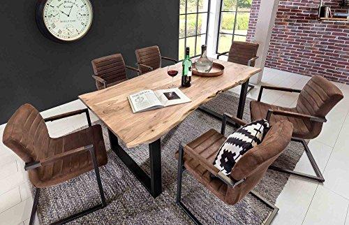 lifestyle4living Esstisch aus Akazienholz, Baumkante, eckig/Küchentisch hat schwarzes Metallgestell/Stabiler Esszimmertisch wertet als Unikat Ihren Raum auf