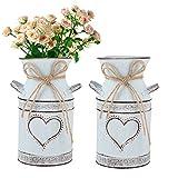 UPKOCH 2 jarrones vintage con forma de corazón para leche, estilo shabby chic y rústico, de hierro, para el día de San Valentín, balcón, salón, decoración de mesa