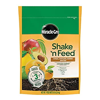 Miracle-Gro Shake 'N Feed