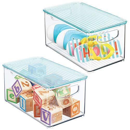 mDesign Juego de 2 cestas organizadoras con tapa para habitación infantil – Caja para juguetes con prácticas asas – Espacioso contenedor plástico sin BPA para artículos de bebé – azul/transparente