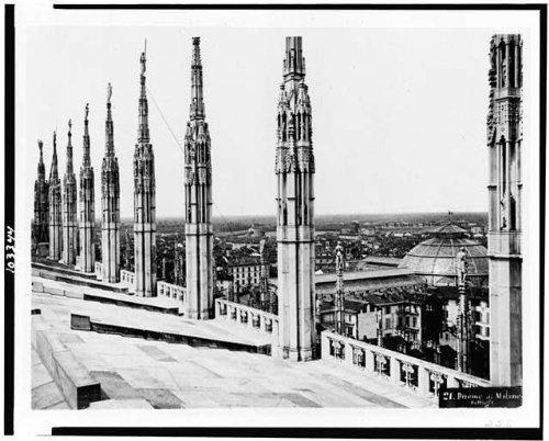 Photo: Duomo di Milano,Dettagli,spires,pillar,roof,cathedral,religious,Milan,Italy,1860