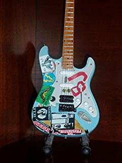 GREEN DAY BILLIE JOE ARMSTRONG Mini BJ Guitar Display GIFT