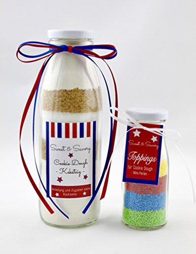 Cookie Dough mit Toppings als Mini-Perlen in verschiedenen Farben in der Flasche, Keksteig Fertigteig, verschiedene Etiketten, Kekse Plätzchenteig, ideal als Geschenk zum Geburtstag, Weihnachten, Ostern (Etikett Blau)