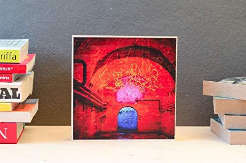 beleuchteter Keller, Untergrund, marode, lost place, Foto auf Holz, im Quadrat, 13 x 13 cm