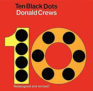 Ten Black Dots [10 BLACK DOTS-BOARD] [Board Books]