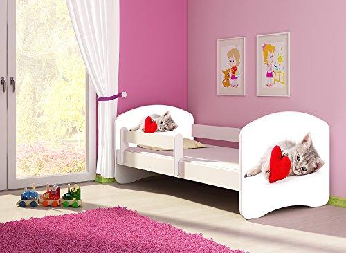 Clamaro 'Fantasia Weiß' 140 x 70 Kinderbett Set inkl. Matratze und Lattenrost, mit verstellbarem Rausfallschutz und Kantenschutzleisten, Design: 40 Kätzchen mit Herz