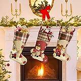 KBNIAN 3 Pzas Media de Navidad Lindo Grande Hecho a Mano de 45cm de Tela No-Tejida Tartán Calcetín de Navidad con Muñeco de Nieve Reno Papa Noel 3D Bota de Navidad Chimenea para Niños (Rojo, Beige)