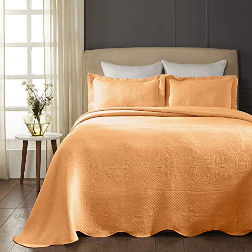 SUPERIOR Celtic Circles Scalloped Bedspread with Matching Pillow Shams, Full, Salmon