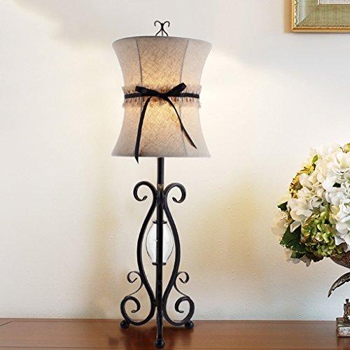 Bonne chose lampe de table Lampe de table européenne simple Pastorale Étude chaleureuse Salle de séjour Chambre à coucher Robe de table en tissu à la mode