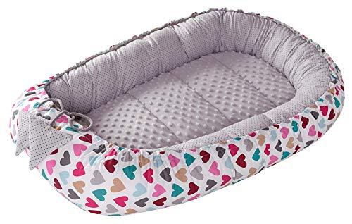 Babynest Kuschelnest Babynestchen 100% Baumwolle Nestchen Reisebett für Babys Säuglinge Medi Partners 90x50x13cm herausnehmbarer Einsatz (bunte Herzen mit grauen Minky)