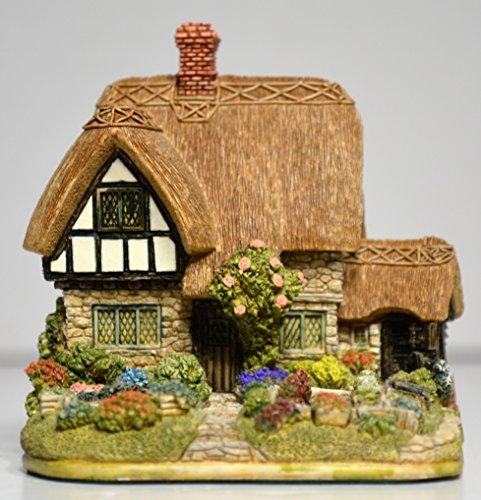 Lilliput Lane Cabbage Patch Corner Cottage by The Good Gift Company