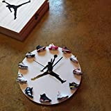 LOSCVHGYT AJ Reloj de Pared Trapecio Mini Zapatillas Creativas Modelo Conjunto Tridimensional Completo de Reloj Colgante de Reloj de Baloncesto para Dar Regalos a los niños 30 * 30 cm (Blanco)