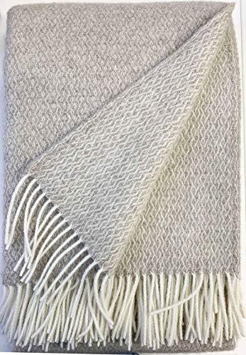 Plaids & Co Lange Wolldecke 'Brita' mit feinem Zopfmuster aus 100% Reiner Schurwolle Ökotex 100 Klasse 1, Kuscheldecke, Wollplaid, warme Decke, Überwurf (beige-Creme, 140 x 220 cm)