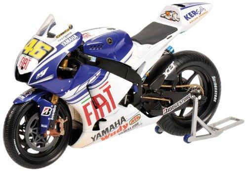 Minichamps 122083146 - Yamaha YZR-M1 - Valentino Rossi, Versione Asciutto/Bagnato, Scala: 1:12