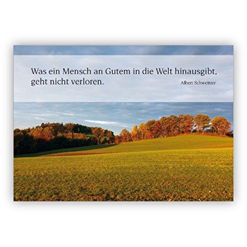 Rouwkaart/condoleenkaart met heuvelachtige avond landschap en Albert Zwitserse citaat: wat een mens aan goed de wereld geeft. – Hartelijk bedankt premium uitklapbare kaart om te condoleren.