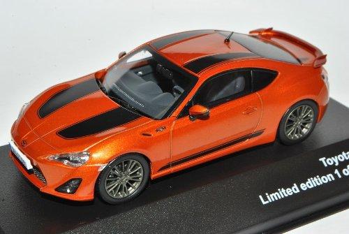 J-Collection Toyota GT86 Coupe Orange mit Streifen Ab 2012 1/43 Modell Auto mit individiuellem Wunschkennzeichen