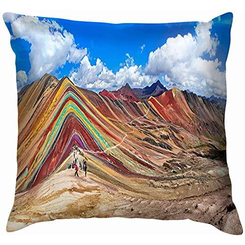 N/A Funda de almohada cómoda para turistas no identificados que caminan en parques de montaña del arco iris al aire libre Perú funda de cojín para sofá decorativa 16 x 16 pulgadas