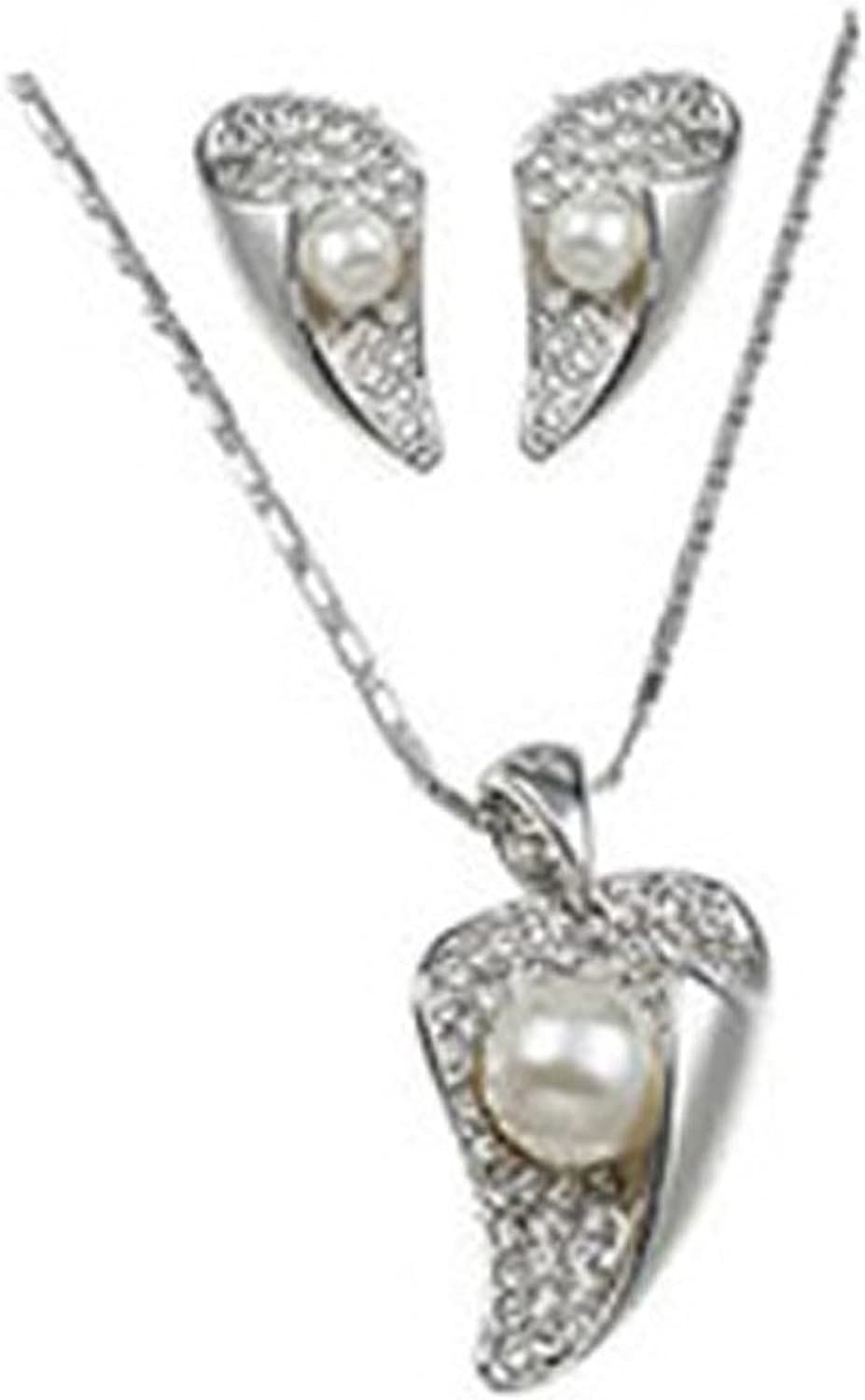 Silver Leaves embracing Pearl Earrings & Pendant Necklace Set