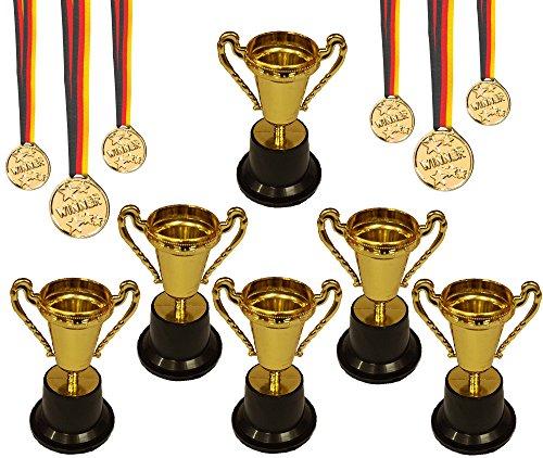 KSS 6 X Gold Pokal groß ca 10 cm und 6 X Medaille Gold mit schwarz rot Gold Band für Kindergeburtstag Party Mitgebsel Mitbringsel Verlosung Tombola kleine Preise usw...