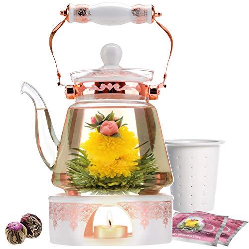 Teabloom Teekanne Buckingham Palace & Blühendes Teegeschenk Set - Herdplattensichere Teekanne (1200 ml), Porzellandeckel, Teewärmer, Infuser aus Porzellan für losen Tee, 2 blühende Gourmet Rosen Tees