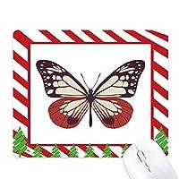淡いピンクと赤の蝶の標本 ゴムクリスマスキャンディマウスパッド
