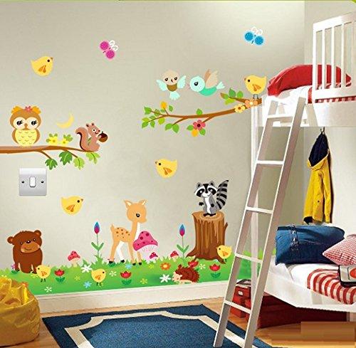 Waldtiere im Wiesenwandaufkleber. Schöne Tiere in der Wiese Wandtattoo. Aufkleber für ein Kinderzimmer. Fototapete Art Deco. Kinderzimmer Dekoration. Babyzimmer Aufkleber. Baby Wandaufkleber.
