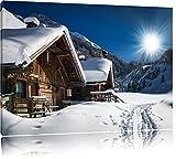 Verschneite Alpenhütte Format: 120x80 auf Leinwand, XXL