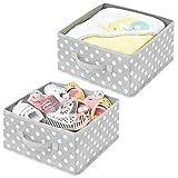 mDesign Juego de 2 cajas organizadoras – Organizadores de armarios de lunares para dormitorios, vestidores, etc. – Cestas de tela en fibra sintética para zapatos, jerséis o pantalones – gris y blanco