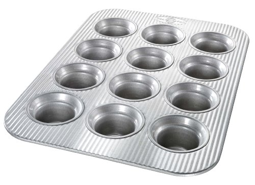 USA Pan Bakeware Crown Muffin Pan 12 Well Nonstick amp Quick Release Coating Made in the USA from Aluminized Steel