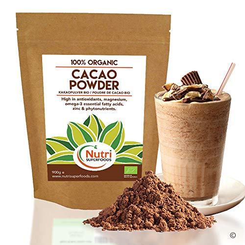 CACAO POLVERE BIOLOGICO, Ingrediente cioccolato vegano di qualità premium, senza zucchero, sapore delizioso per cucinare, preparare frullati energetici e barrette proteiche - Nutri Superfoods (900g)